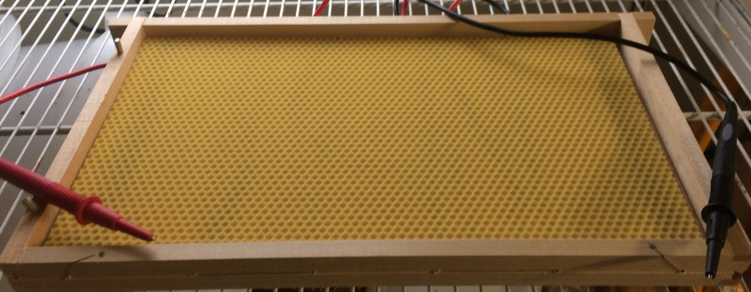 Vaxning av ram till bikupa
